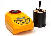 El higrómetro para granos GMMpro de la empresa Draminski es un aparato que realiza una exacta medición de la humedad del grano mediante el método capacitivo gravimétrico